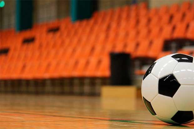 Fallece un jugador de 18 años en un torneo de fútbol sala en Brollón (Lugo) 2db613bf5f8ba
