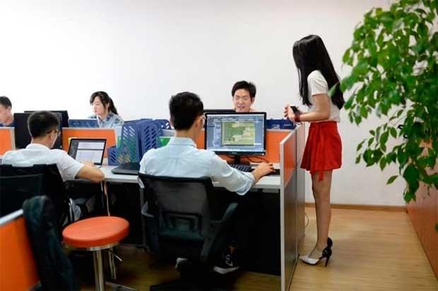 /index.php/curiosidades-en-la-red/22883/empresas-chinas-contratan-animadoras-para-motivar-a-sus-trabajadores