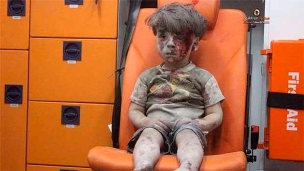 /index.php/curiosidades-en-la-red/31704/omran-el-nino-que-refleja-la-desgarradora-guerra-en-siria
