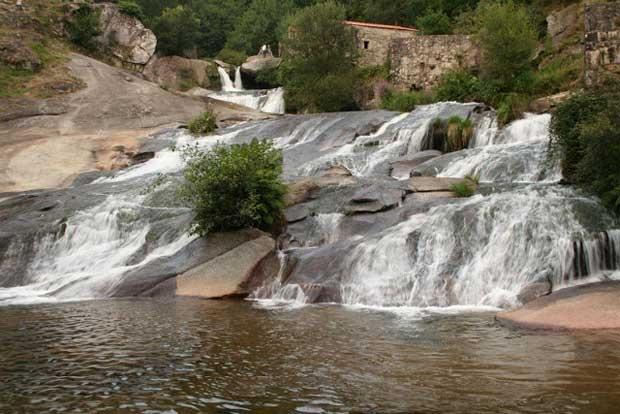 Galicia para so de las piscinas naturales - Piscinas en pontevedra ...